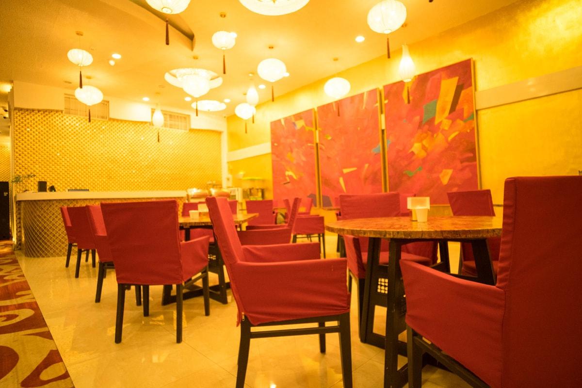 Restaurants Poro Point Thunderbird Resort